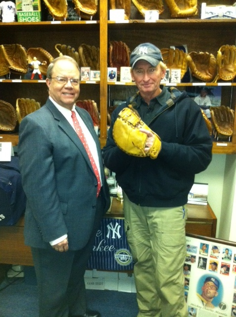 YANKEE FANS WITH MOOSE'S MITT