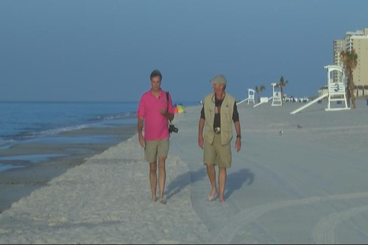 233 2 GUYS AT THE BEACH